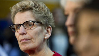Before Prime Minister Stephen Harper faces Justin Trudeau and the NDP's Thomas Mulcair, he must decide whether to ease the dispute with Kathleen Wynne – or campaign against a premier, too.