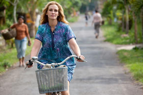 This delightful travelogue follows a divorcée (Julia Roberts) as she leaves her comfortable life behind to travel to Italy, India and Bali. At each destination she discovers a new aspect of leading a happier life, including prayer, nourishment and love.