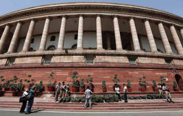 TDP MPs create ruckus in Parliament