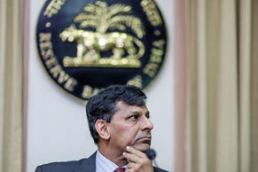 Raghuram Rajan, governor of the Reserve Bank of India (RBI), pauses during a news conference at the central bank's headquarters in Mumbai, India, on Tuesday, June 2, 2015.
