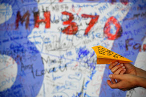 Wing part may be confirmed as from MH370 this week: Australia