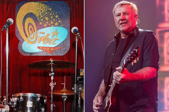 SEATTLE, WA - JULY 19:  Alex Lifeson of Rush performs on stage during the R40 LIVE Tour at KeyArena on July 19, 2015 in Seattle, Washington.  (Photo by Mat Hayward/Getty Images)