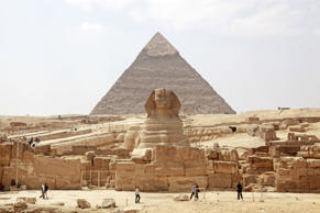 The pyramid of Khafre (Chephren) and the Sphinx, at the Pyramids of Giza, Cairo, Egypt.