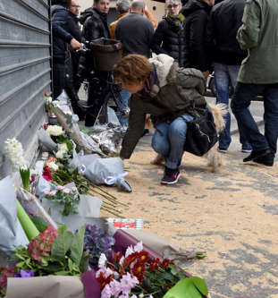 127 të vdekur në Paris BBmZOv9