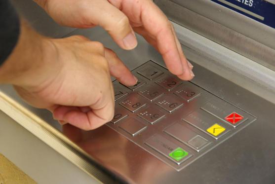 Diapositive 14 sur 32: NIP de carte bancaire