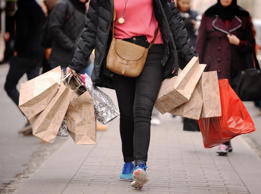 UK consumer confidence rises to match 15-year high in August