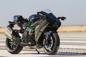 Kawasaki Ninja H2 at our 0-180 MPH Ultimate Performance Shootout