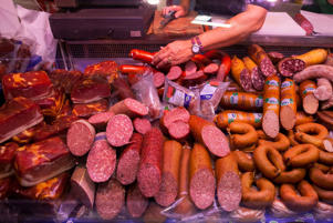 <p>Last year, a World Health Organization (WHO) report revealed that eating processed meat can lead to bowel cancer, while red meats are probably carcinogenic. International Agency for Research on Cancer, WHO's specialized cancer agency, has categorized processed meats like hot dog, sausage and bacon in the same group with tobacco, asbestos and diesel fumes, which are proven carcinogenic agents. Here are some other foods that have the potential to make you very sick or even kill you.</p>