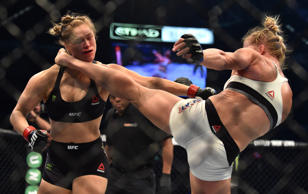 Holly Holm defeats Ronda Rousey (2015 UFC 193)