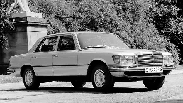 If the Mercedes-Benz S-Class was the chairman of the board, the 450 SEL 6.9 was the CEO, chairman and president, all rolled into one. It featured hydropneumatic suspension and ABS brakes as standard.