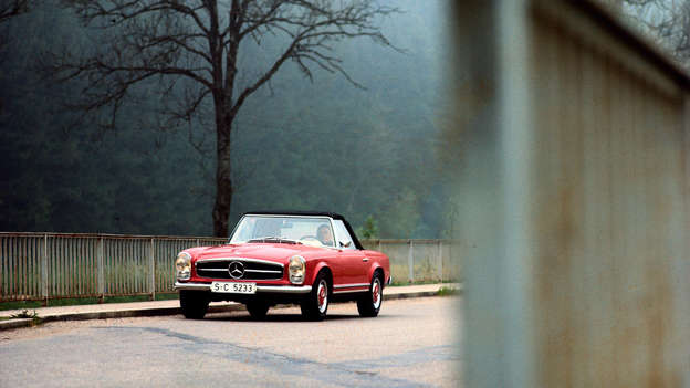 How do you improve on the near-perfection of the original Mercedes-Benz SL? In truth, you don't, but in the case of the R113 - known affectionately as the 'Pagoda' - you come very close. Such a pretty car.