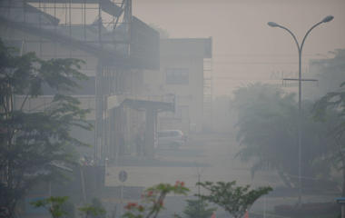Thick and smelly haze shrouds the city of Banjarmasin in South Kalimantan province, Indonesia, on October 29, 2015