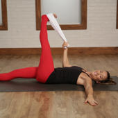 5-Minute Towel Stretch For Long and Lean Limbs