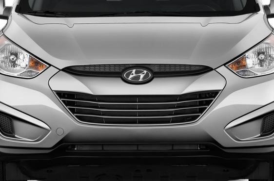 Slide 1 of 25: 2013 Hyundai Tucson