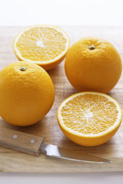 "<p>While oranges are most known for the vitamin C boost they provide, they're also full of <a href=""http://www.redbookmag.com/body/healthy-eating/advice/g1258/anti-aging-foods/?slide=3"">wrinkle-fighting collagen</a>. Eating one every morning might just be enough to replace your expensive skin care regime. </p>"