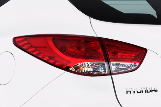 Slide 1 of 25: 2014 Hyundai IX35