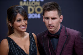 ZURICH, SWITZERLAND - JANUARY 12: FIFA Ballon d'Or nominee Lionel Messi of Argentina and FC Barcelona and his wife Antonella Roccuzzo arrive during the FIFA Ballon d'Or Gala 2014 at the Kongresshaus on January 12, 2015 in Zurich, Switzerland. (Photo by Philipp Schmidli/Getty Images)