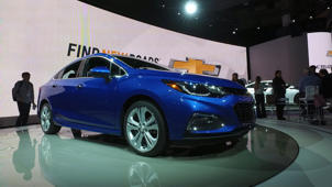 2016 Chevy Cruze Aims to Feel Bigger with Redesign