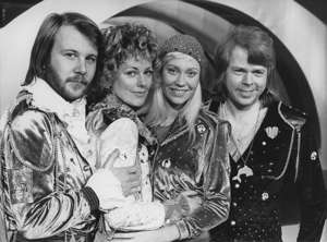 The Swedish pop group ABBA. From left to right: Benny Andersson; Anni-Frid Lyngstad; Agnetha Fältskog and Björn Ulvaeus. Photograph. Euro Vision Song Contest 1974 in Brighton; UK. (Photo by Imagno/Getty Images)