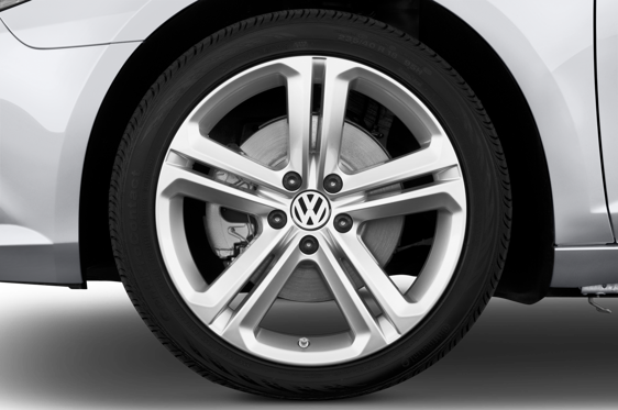 Slide 1 of 25: 2015 Volkswagen CC