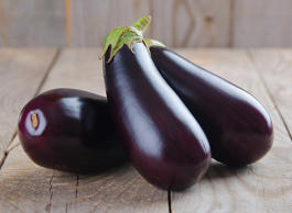 <p>Packed with free-radical-scavenging chlorogenic acid, eggplant is good for mo...