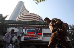 Nifty ends below 7300, Sensex slips 266 pts on global jitters