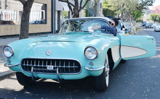Kendall Jenner out and about, Los Angeles, America - 20 Nov 2015 Kendall Jenner driving her 1956 Vintage Corvette