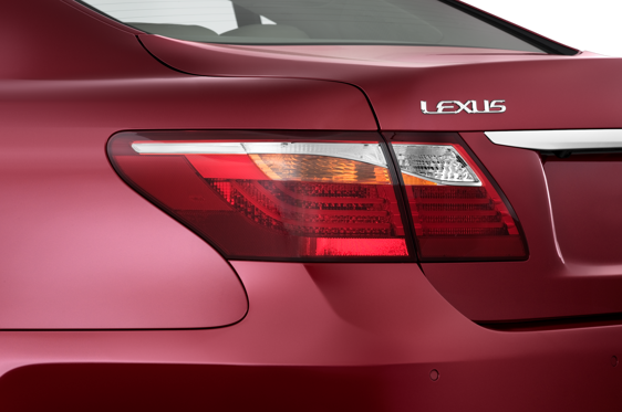 Slide 1 of 25: 2010 Lexus LS