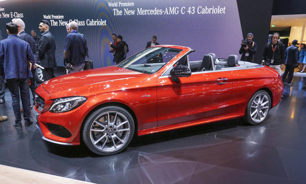 Слайд 1 из 10: For the first time ever, Mercedes-Benz will offer a cabriolet based on the compact C-Class, adding a new 4-seat entry-level convertible to complete the Mercedes-Benz lineup of 2-seat and 4-seat open-top cars. The new C-Class Cabriolet debuted at the Geneva Motor Show and is scheduled to go on sale in the U.S. in late summer 2016.