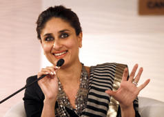 Pregnant Kareena parties hard