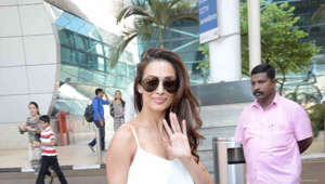 Malaika Arora looks like a diva, nails stretching exercise