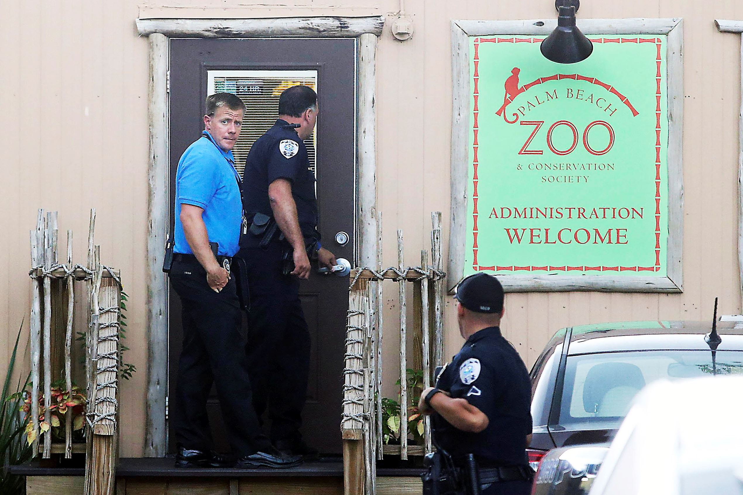 Worker killed in tiger attack at Palm Beach Zoo identified