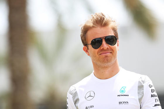 Lysbilde 1 av 21: SAKHIR, BAHRAIN - APRIL 01: Nico Rosberg of Germany and Mercedes GP in the Paddock during practice for the Bahrain Formula One Grand Prix at Bahrain International Circuit on April 1, 2016 in Sakhir, Bahrain. (Photo by Mark Thompson/Getty Images)
