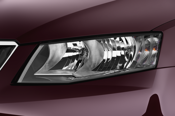 Slide 1 of 25: 2013 Skoda Octavia