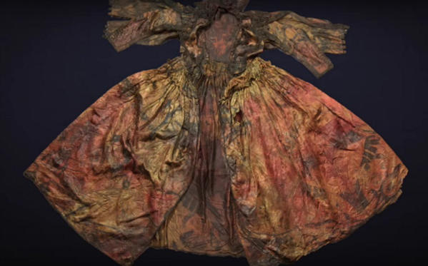 Divers Find 400-Year-Old Silk Dress in Dutch Shipwreck