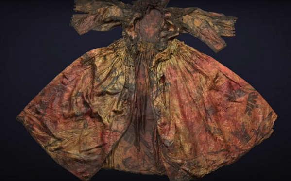 Divers Find 400-Year-Old Silk Dress in Dutch Shipwreck