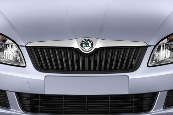 Slide 1 of 25: 2015 Skoda Roomster