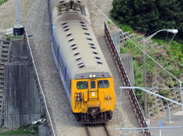 Power fault hits Wellington trains