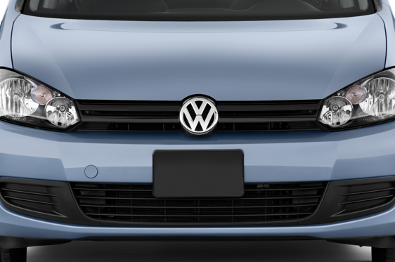 Slide 1 of 23: 2011 Volkswagen Golf