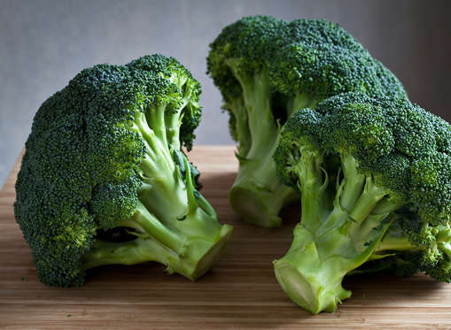 <p>Broccoli is packed with sulforaphane, a compound that wards off inflammation, improves blood sugar control, and protects blood vessels from the cardiovascular damage that's often a consequence of diabetes. Add it to omelets, stir-frys and pasta dishes. </p>