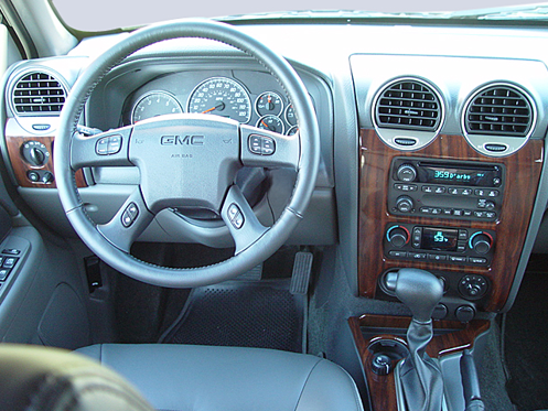 Slide 1 of 11: 2005 GMC Envoy XL