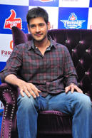 Mahesh Babu felicitates Thums Up Thunder Challenge Winners at Paradise