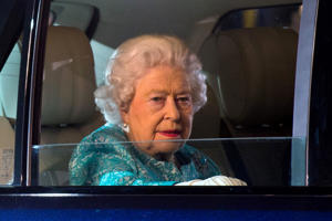 WINDSOR, ENGLAND - MAY 15: Queen Elizabeth II departs her 90th Birthday Celebrations at Home Park, Windsor on May 15, 2016 in Windsor, England. REUTERS/Ben A. Pruchnie/Pool