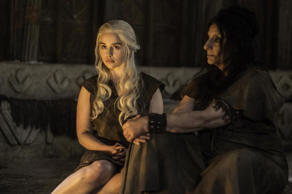 Emilia Clarke as Daenerys Targaryen and Souad Faress as the high priestess of the Dosh Khaleen