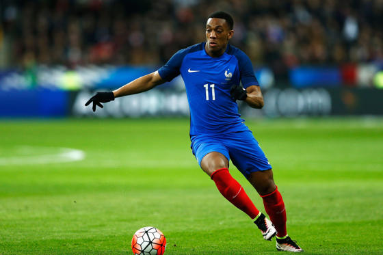 สไลด์ 1 จาก 10: PARIS, FRANCE - MARCH 29:  Anthony Martial of France in action during the International Friendly match between France and Russia held at Stade de France on March 29, 2016 in Paris, France.  (Photo by Dean Mouhtaropoulos/Getty Images)