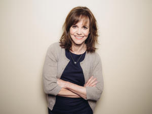 Sally Field will play Amanda Wingfield, the faded Southern belle at the heart of the Tennessee Williams play.