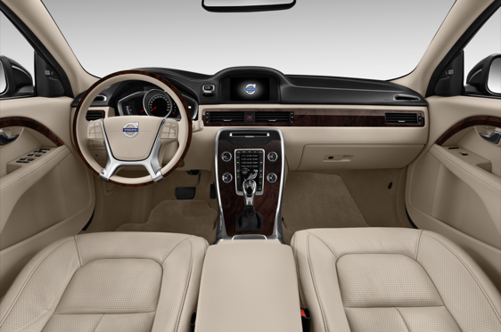 Slide 1 of 24: 2015 Volvo S80