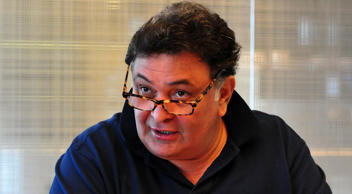Congress Supporters Name Toilet After Rishi Kapoor And His Response To It Is EPIC