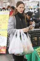 ++Jennifer Garner out and about in Los Angeles, America - 31 Jan 2016 Jennifer Garner