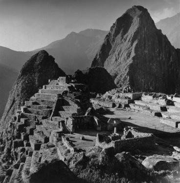circa 1930: Inca ruins at Machu Picchu in Peru. (Photo by Hulton Archive/Getty Images)